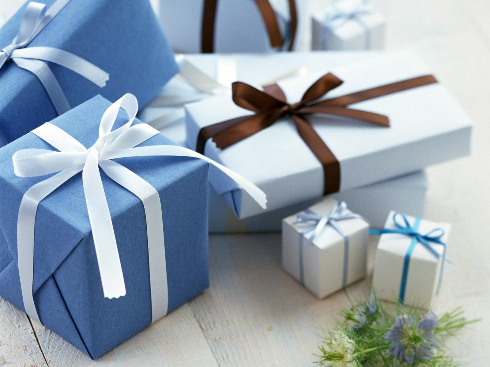 Что такое подарок, зачем мы их дарим и откуда пошла традиция дарить подарки